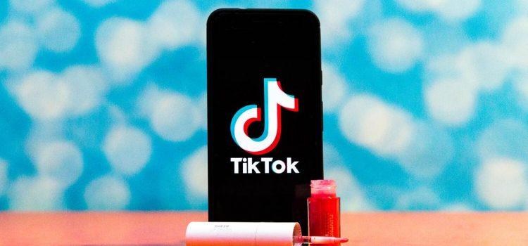 TikTok is full of homemade lip glosses. But should you buy them?